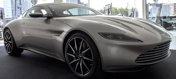 Aston Martin DB10 en Cars Gallery, en Barcelona
