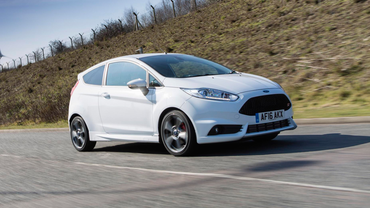 Ford Fiesta ST 2016, frontal