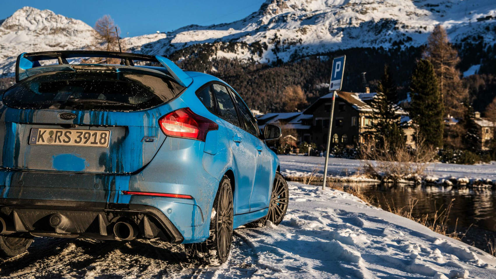 Ford Focus RS trasera big read